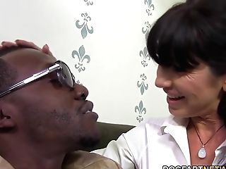 Horny Cougar Tara Holiday Luvs Big Black Cock