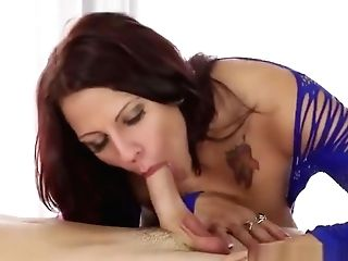 Succulent Breasty Mom Lylith Lavey Making Fellow Glad By Providing An Amazing Tugjob