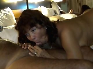 Geisha Getting Off And She Give Oral Pleasure