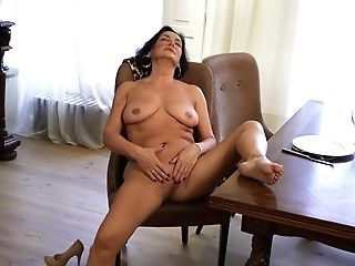 Hyper Sexual Old Woman Olivia Westervelt Is Waiting For Her Youthfull Paramour