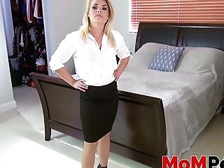 Stepmother Blaten Lee Dicked After Taboo Blow-job