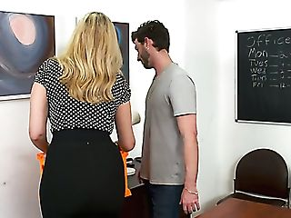 Alluring Big Jugged Office Sexpot Julia Ann Gets Cuni And Good Fuck On Table