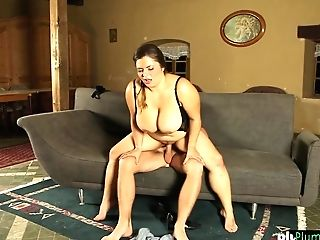 Quenning Bigtits Bbw Plowed On The Sofa