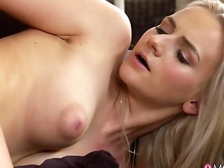 Katy Pearl & Pussykat In Asian Mummy And Youthful Blonde Czech - Momxxx