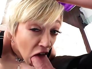 Sexy Mummy Loves To Do Rough Ass Fucking